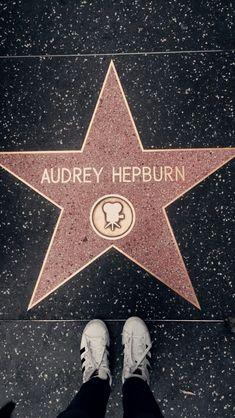 Arts And Crafts Ideas Katharine Hepburn, Audrey Hepburn Style, Classic Hollywood, Old Hollywood, Divas, Sanji One Piece, Azul Tiffany, Moon River, I Icon