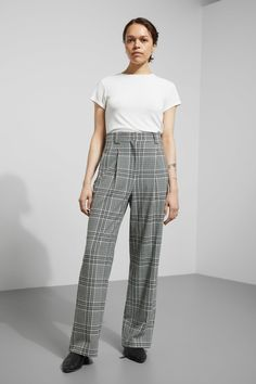 Model side image of Weekday simone trousers in black