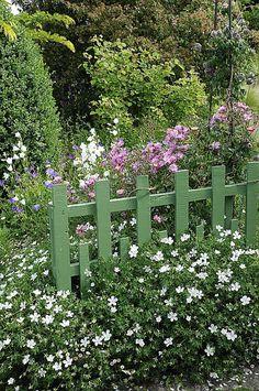 petite barrière, sans fonctionnalité, à part la beauté