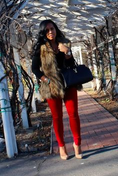 fur vest and red jeans Fashion Mode, Look Fashion, Girl Fashion, Womens Fashion, Hippie Fashion, Fashion Fashion, Retro Fashion, Vintage Fashion, Fur Vest Outfits