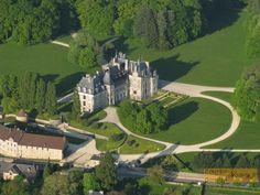 photo aérienne du Château de Menetou-Salon. Cher. Centre