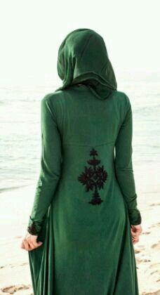 Love emerald green! Modesty is policy ;-)