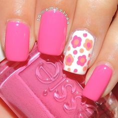 pink nails and flowers..I love this color