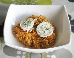 La sobrasada le da al arroz no solo un color y un sabor sorprendentes, sino también una cremosidad exquisita acentuada por el queso de cabra que también se incorpora en la receta. Toma nota de todos los ingredientes que componen este plato y no dudes en probarlo porque te va a encantar.