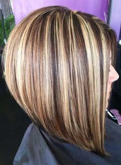 Just another beautiful hair transformation. Lowlights for Highlights and the famous Short bob haircut ! Short Layered Bob Haircuts, Angled Bob Hairstyles, Long Hairstyles, Wedding Hairstyles, Party Hairstyles, Hairdos, Chunky Blonde Highlights, Hair Color Highlights, Caramel Highlights