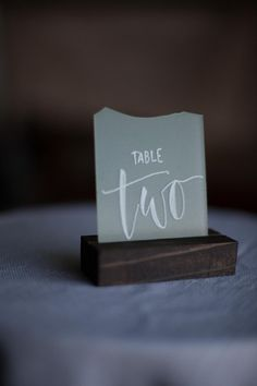 gold wedding table numbers printable gold table numbers 1 20 gold rh pinterest com