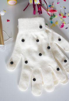 stocking stuffer: DIY Pom Pom Gloves