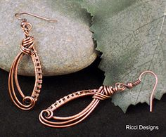 These woven earrings are such a delight and very light. Ear wire is copper. The copper has been oxidized to enhance the detail. These earrings are measured not to include the ear wire. Wire Jewelry Designs, Jewelry Crafts, Jewelry Ideas, Wire Earrings, Crochet Earrings, Earring Tutorial, Wire Weaving, Beads And Wire, Wire Art