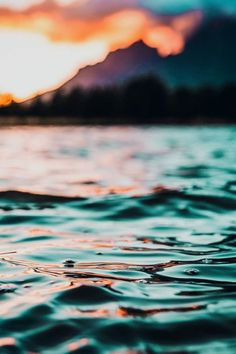 """There is nothing like the ocean to relax the mind of the human being. Sunset Wallpaper, Iphone Background Wallpaper, Aesthetic Iphone Wallpaper, Nature Wallpaper, Phone Backgrounds, Aesthetic Wallpapers, Nice Backgrounds, Summer Backgrounds, Ocean Photography"