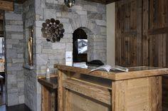 Chalet montagne : bois et pierre, décoration montagnarde authentique.