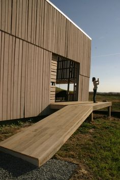 Image 25 of 27 from gallery of Blair Barn House / Alchemy Architects. Photograph by Alchemy Architects Residential Architecture, Architecture Design, Modern Barn House, Modern Houses, Small Houses, Small Buildings, Wooden Buildings, Prefabricated Houses, Studio Living
