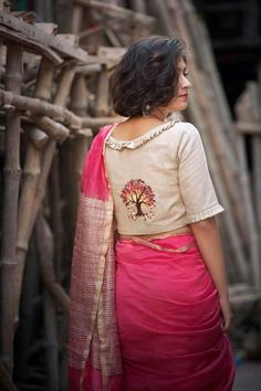 Linen pink saree blouse Elegant Indian Sarees CLICK VISIT link above for more options Classic Indian Sarees CLICK VISIT link above for more info Saree Blouse Neck Designs, Fancy Blouse Designs, Saree Blouse Patterns, Shirt Designs, Pink Saree Blouse, Sari Bluse, Designer Blouse Patterns, Blouse Models, Mode Blog