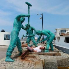 Misbruik eens een standbeeld (fotospecial)