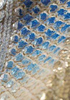 記憶の中のセーター 2014AW YUKI FUJISAWA Knitting Yarn, Hand Knitting, Knit World, Metallic Yarn, Soutache Jewelry, Fabric Manipulation, Knit Fashion, Knitting Designs, Couture