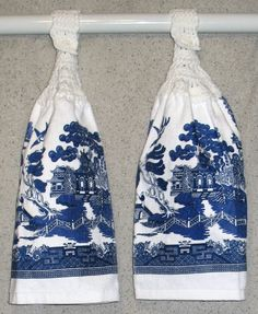 Blue Willow Pattern Hanging Hand Towels Set of 2