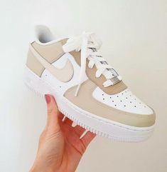 Dr Shoes, Cute Nike Shoes, Swag Shoes, Cute Nikes, Cute Sneakers, Hype Shoes, Shoes Sneakers, Beige Nike Shoes, Nike Custom Shoes