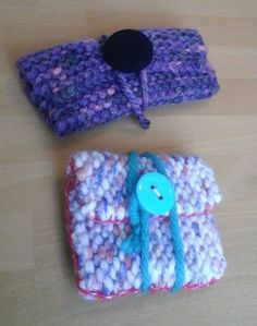 a spectacle case and a little pouch. i was surprised how quick it was to make both. it just took about 2 episodes of Prison Break season-2 each