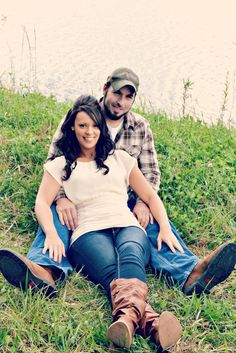 Engagement Photography by Tashina Carpenter, Indiana Engagement Photo Inspiration, Engagement Pictures, Couple Photoshoot Poses, Engagement Photography, Photography Ideas, Camera Shots, Mini Photo, Cute Couple Pictures, Marrying My Best Friend