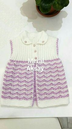 This Pin was discovered by sid Baby Knitting Patterns, Knitting Designs, Crochet Baby, Knit Crochet, Knitted Baby Cardigan, Baby Warmer, Baby Sweaters, Baby Dress, Lace Shorts