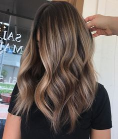 hair ideas 35 Balayage Hair Color Ideas for Brunettes in The French hair coloring technique: Balayage. balayage hair color ideas for brunettes in 2019 allow to achieve a more natural and modern eff. Ombre Hair Color, Hair Color Balayage, Cool Hair Color, Balayage Hair Brunette Caramel, Fall Balayage, Hair Color Ideas For Brunettes Balayage, Balyage Hair, Short Balayage, Bronde Balayage
