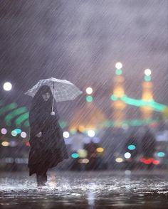 عندما كان الحسين يلفظ انفاسه الاخيره ,ايسا من كل الرجال , كان قلبه مطمئنا بان اخته زينب ستحمل رايته ,وستنصبها في كل مكان , حتى لا يبقى على وجه الارض رجل واحد لم يسمع باسم الحسين , ولا امراة واحدة لم تروي قصة عاشوراء ,ولا طفل واحد لم يحفظ اسم #كربلاء