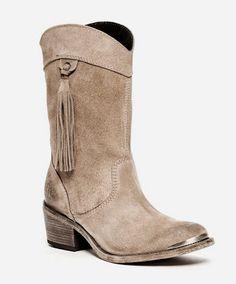 Gostavas de ganhar estas botas lindas da Only2Me no valor de €200?  Até 17 de dezembro de 2013