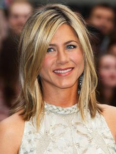 Shoulder Length Hairstyles and Haircuts - Celebrity Mid-Length Hairstyles - Real Beauty