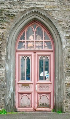 Beautiful chippy pink door (scheduled via http://www.tailwindapp.com?utm_source=pinterest&utm_medium=twpin&utm_content=post184632451&utm_campaign=scheduler_attribution)