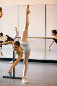 Ballet dancer and teacher. And yes I am a man en pointe.Graduated from ballet school in 2011 Russian living in Australia. Ballet Barre, Ballet Class, Dance Class, Dance Studio, Tango, Shall We Dance, Just Dance, Dance Photos, Dance Pictures