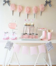 Cotton Candy cuteness! Love the simplicity of this adorable cotton candy party by @twinkletwinklelittleparty.