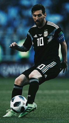 Cristiano Vs Messi, Lional Messi, Messi Soccer, Neymar, Antonella Roccuzzo, Fc Barcelona, Argentina Football Team, Ronaldo Juventus, Most Popular Sports