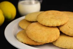 Las galletas caseras son uno de los dulces más agradecidos que podamos preparar. Las preparamos en una tarde y nos pueden durar frescas durante semanas.
