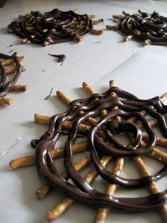 Halloween treat! Fast and easy with pretzels and melted chocolate piped from the corner of a ZipLoc bag - jt