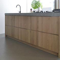 Keukenfronten op maat voor oa. Ikea Metod, Kvik, Siematic of andere nieuwe en bestaande keukenmerken. Een subtiele ingefreesde greep zorgt voor een strak design. www.houtmerk.nl