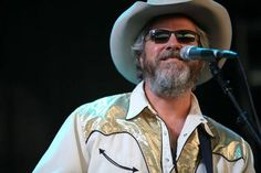 Robert Earl Keen = The Road Goes on Forever and the Party never ends