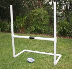Backyard footy goal posts for AFL, Auskick, NRL- Rugby League - Union and suppliers of Little Rugby Tots posts. Unique gift for boy or girl, ages 2-15, birthday and Christmas. Fast Australia-wide delivery to your door.