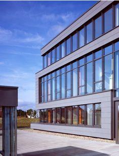 Office building in Munster (Germany) by Heyen + Lippross, Münster,  Contractor: Plenter , Copyright : Jörg Seiler  #QuartzZinc #FlatLock #Cladding #Façade #Architecture #Germany #Aesthetically #Aesthetic #Zinc