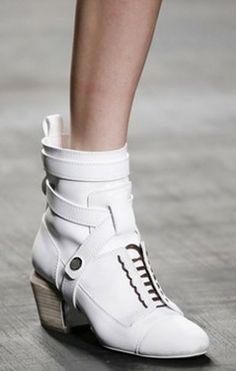 milano-fashion-week-scarpe-autunno-inverno-2014-2015-stivale-fendi