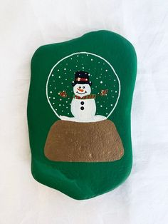 Items similar to Hand painted Snow Globe Rock Personalization Available Snowman Rock Snow Globe Hand painted rock Snowmen Rock on Etsy – bookups Painted Garden Rocks, Hand Painted Rocks, Snow And Rock, Love Painting, Christmas Rock, Rock Decor, Rock Painting Designs, Rock Design, Rock Crafts