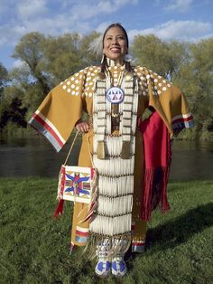 53 Ideas American History Pictures Native Indian For 2019 American Girl, Native American Clothing, Native American Regalia, Native American Beauty, Native American Beadwork, American Indian Art, Native American History, American Jewelry, American Apparel