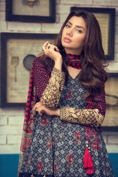 Pakistani Fashion Casual, Pakistani Dresses Casual, Pakistani Wedding Outfits, Pakistani Dress Design, Indian Fashion, Women's Fashion, Stylish Dresses For Girls, Stylish Dress Designs, Dress Indian Style