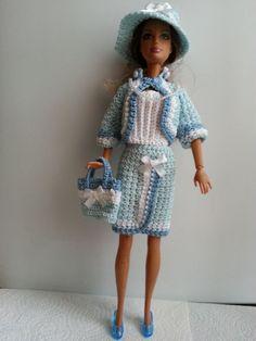 vêtement pour poupée mannequin Barbie (253)