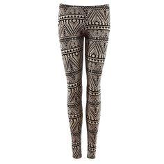 On adore ce legging original grâce à son imprimé aztèque.
