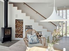 A beautiful Swedish home with soft colors and clean lines (The Design Chaser) - Home decor scandinavian Nordic Interior, Interior Design, Room Interior, Interior Styling, Plywood Interior, Plywood Furniture, Modern Furniture, Furniture Design, Summer House Interiors