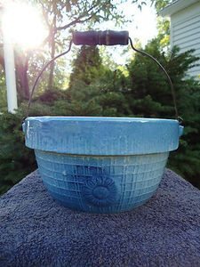 Blue and White Stoneware Daisy and Lattice Milk Crock Bowl with Bail Handle
