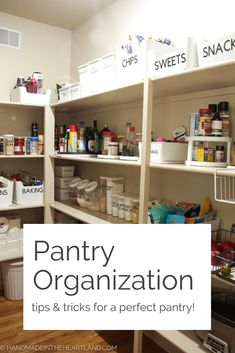Useful tips and tricks to organize your pantry, with great links! Spice Organization, Closet Organization, Organizing Ideas, Staying Organized, Organized Pantry, Pantry Inspiration, Pantry Essentials, Pantry Makeover, Pantry Storage