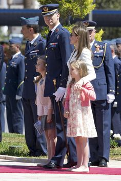 Crown Prince Felipe and Letizia of Asturia and their kids Attend a military event With Their parents 02/05/2014