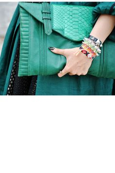 oversized clutch.awesome jade color.spikes
