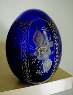Fabrege Egg from Russia ... My Daddys fave glass and Mama's love for Flowers .. <3