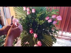 Arranjo para grandes ambientes - por Luis Evangelista - YouTube Arte Floral, Flower Designs, Natural, Flower Arrangements, Plants, Youtube, Mom, Videos, Yellow Vase